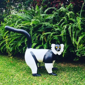 Lemur, Varecia variegata, made out of post-use plastic bags in its interior and acrylic on air-hardening clay.
